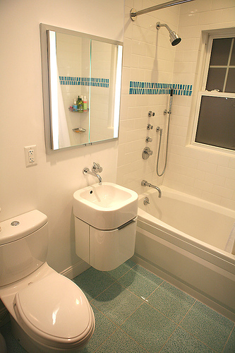Small bathroom remodel ideas small bathroom design ideas for Small bedroom with bathroom design