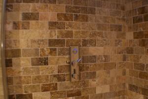 shower designs_travertine